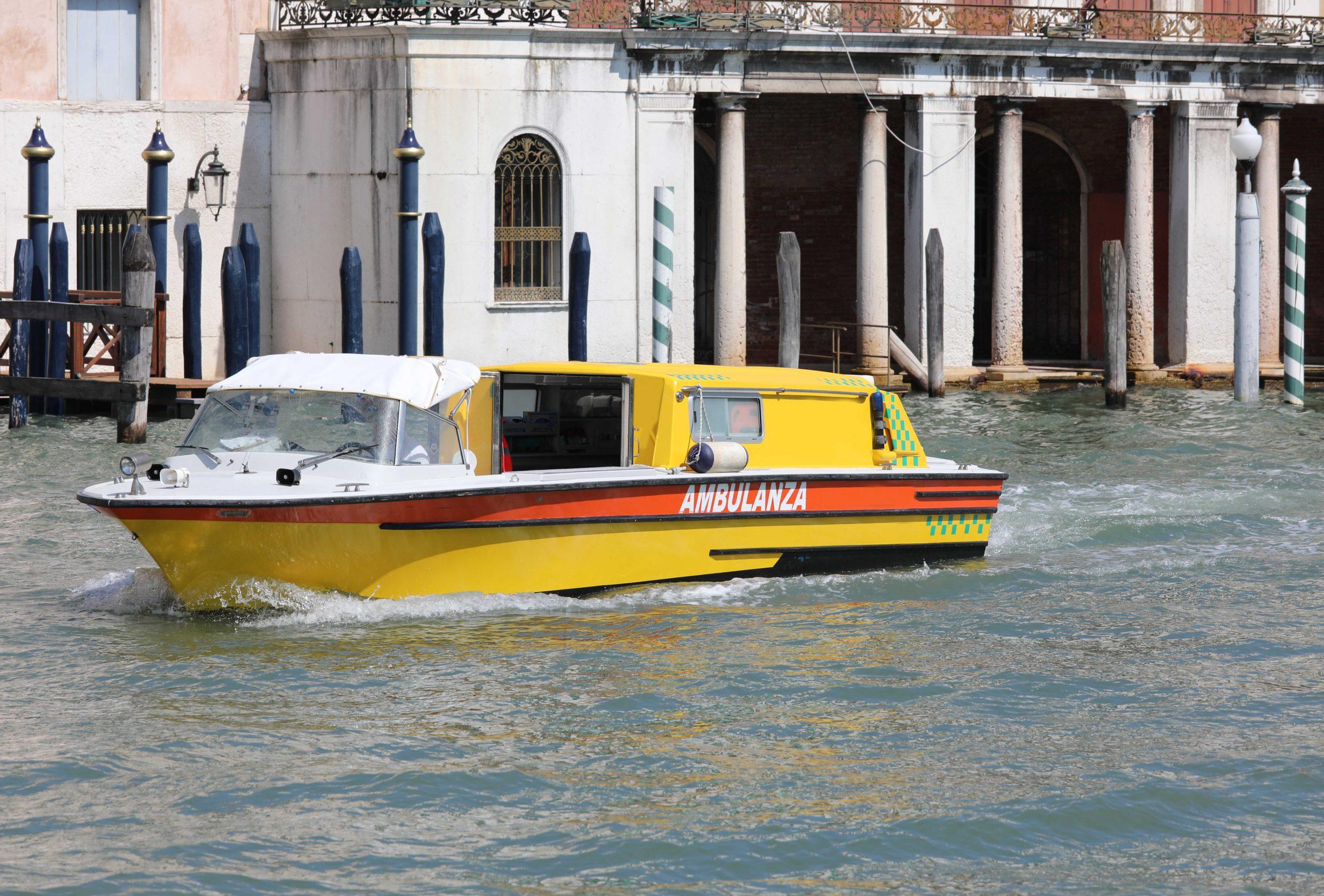 Ambulance USA Boat Ambulance scaled